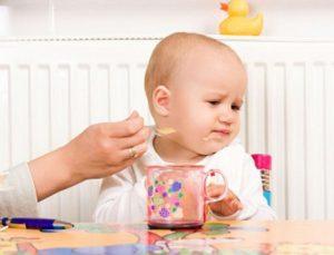 Cần chú ý khả năng thích ứng của bé để có phương pháp và chế độ ăn dặm phù hợp cho bé