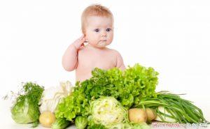 Các mẹ nên chọn những thực phẩm phù hợp cho bé và không nên sử dụng những thức ăn được đun đi đun lại nhiều lần