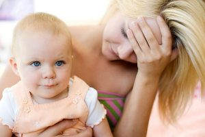 Đối với phụ nữ sau sinh thường rơi vào trạng thái bị rối loạn cảm xúc