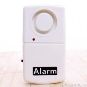 Thiết bị chuông chống trộm này có kích thước nhỏ gọn, dễ sử dụng nên có thể sử dụng cho mọi gia đình