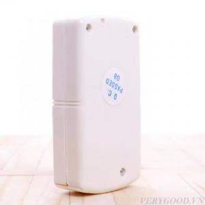 Sản phẩm sử dụng nguồn năng lượng là pin AA 9 V