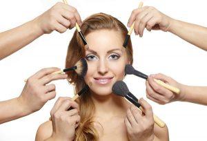Hãy tạm ngưng mọi loại mỹ phẩm trang điểm khi da bạn đang bị những nốt mụn ghé thăm