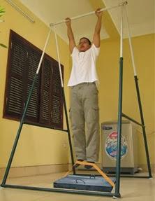 Bài tập xà đơn kèm theo kéo vật nặng.