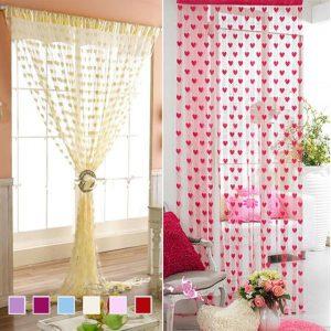 Rèm cửa hình trái tim với họa tiết xinh xắn mang đến màu sắc tươi sáng cho căn phòng của bạn