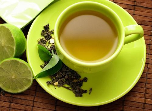 Làm trắng răng bằng trà xanh