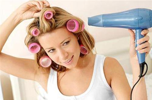Những điều cần biết khi sử dụng máy sấy tóc