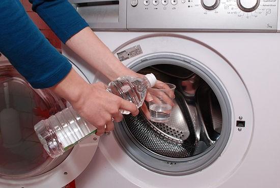 Sử dụng giấm trắng vệ sinh cho máy giặt