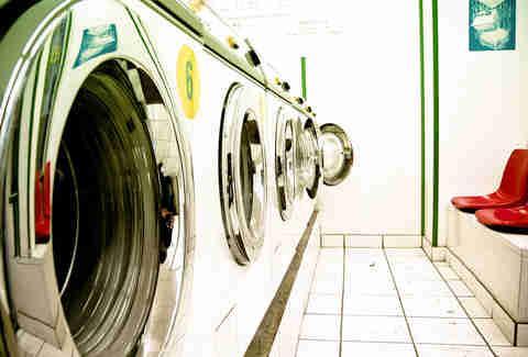 Chọn lưu lượng bột giặt cũng là tiêu chí sử dụng máy giặt đúng cách