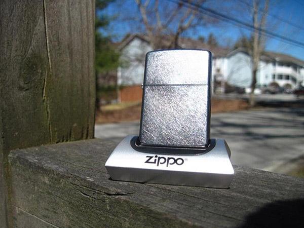Với 500k liệu có mua được bật lửa Zippo chính hãng không?