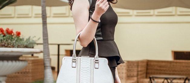 Túi đeo vai màu sáng, kích cỡ trung bình là lựa chọn lý tưởng cho cô nàng mũm mĩm