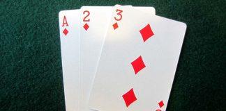 Game bài 3 cây hay còn được biết đến với tên gọi là bài liêng